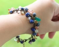 Heather. Bracelet with natural stones